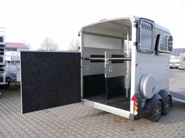Ifor Williams Pferdeanhänger HBX 511 mit Frontausstieg Rampen-/Türkombination